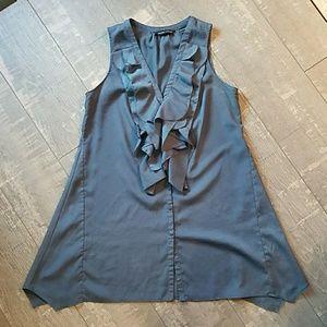 ☀️3/$25 NY & Co  Blue Sleeveless Ruffle Blouse E2